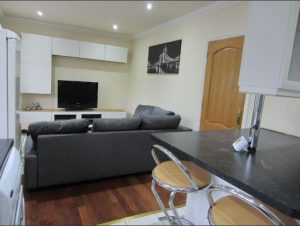 2 bed in Roundhay